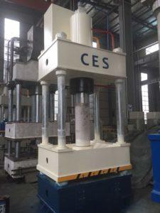 Универсальный гидравлический пресс CES32-200T